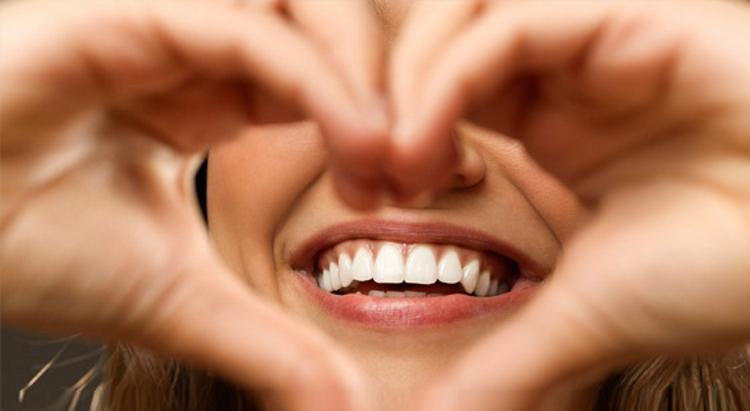maintain-your-oral-health-with-moringa-oleifera